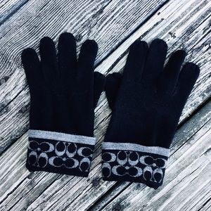 NWOT Coach Knit Gloves